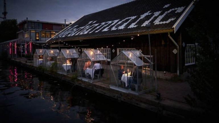 Amsterdam Restaurant Tests Out Individual Greenhouses For Dining Amid Pandemic